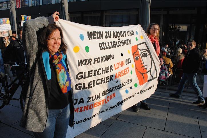 Göçmen Kadınlar Birliği // Bundesverband der Migrantinnen e.V.